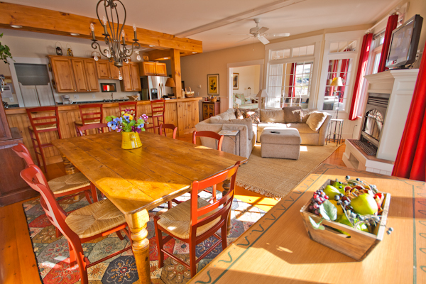 Dining room & living room, Back Bay Cottage